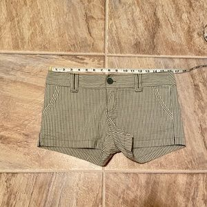 Forever striped shorts large 32 gingham cute